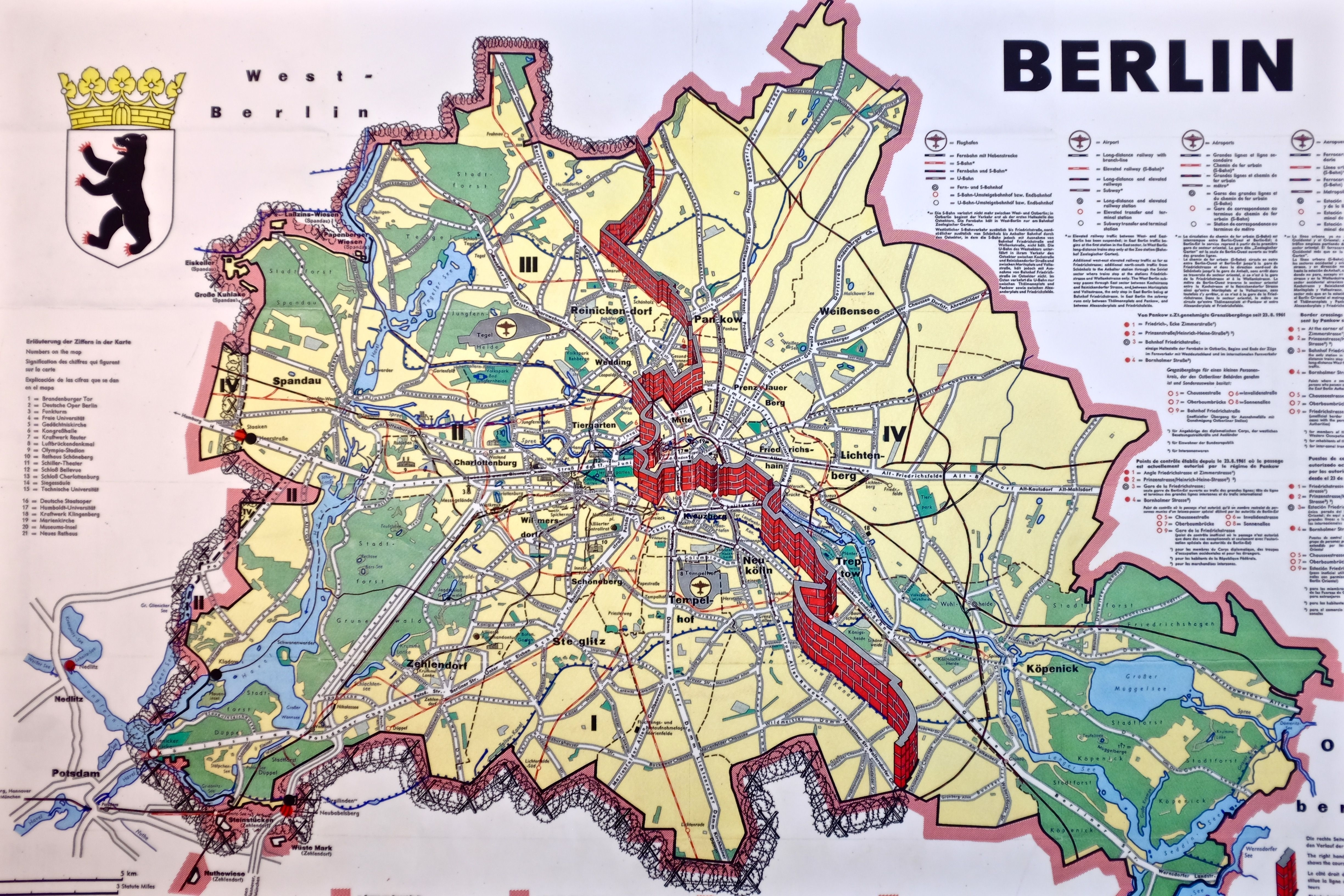 Berlin Germany At Wall Map   Illustrations In 2019   Berlin Wall in Map Of East Germany 1950
