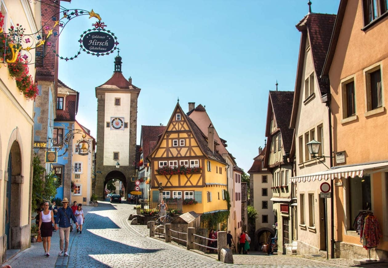 The Romantic Road Germany Travel Guide // Tips, Maps & Itinerary • with Fussen Germany Map