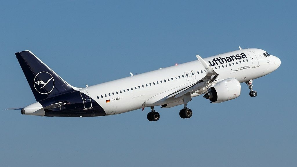 Lufthansa Fleet Airbus A320Neo Details And Pictures within Stuttgart Airport Layout Map